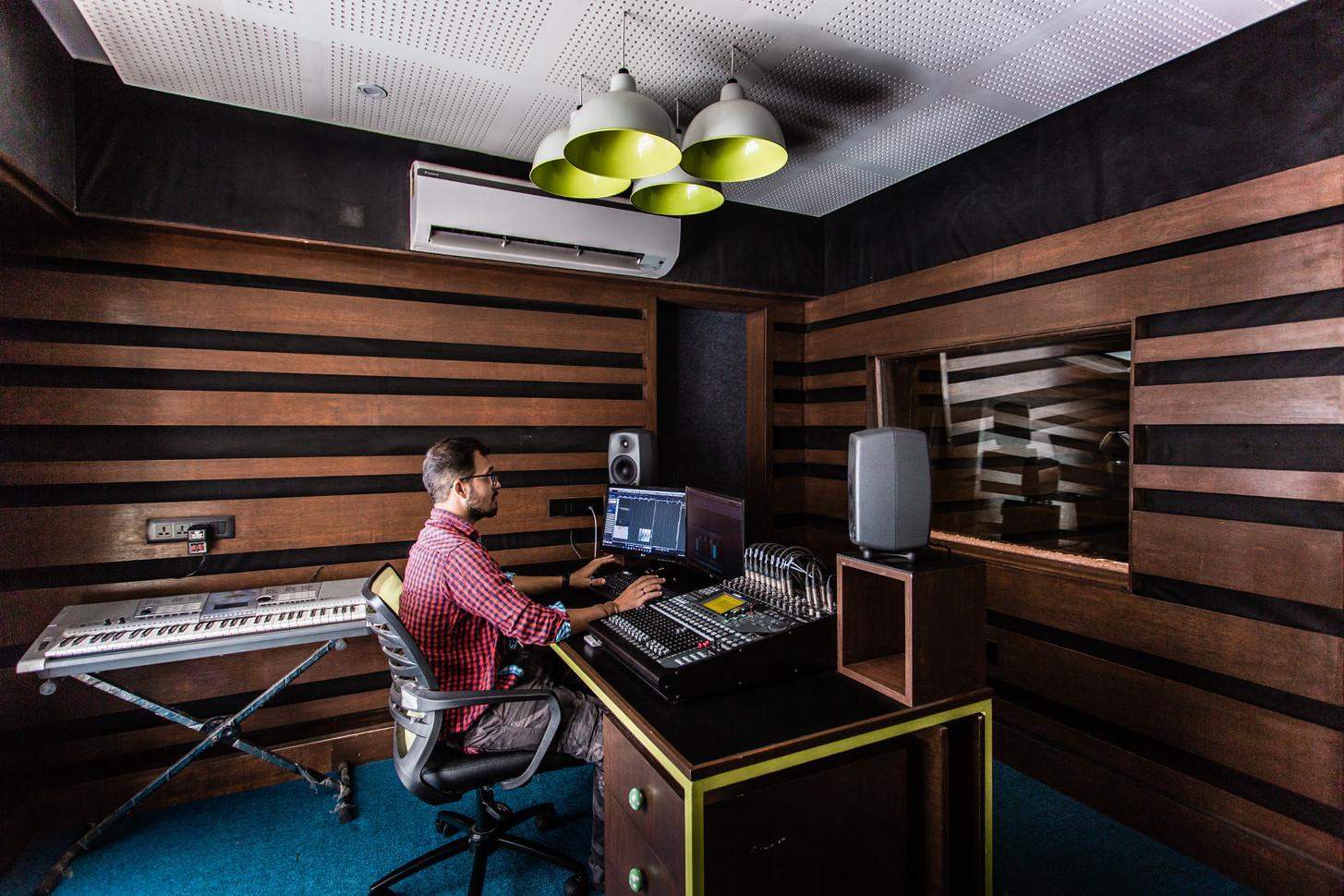 Music Studio_Console 1.jpg