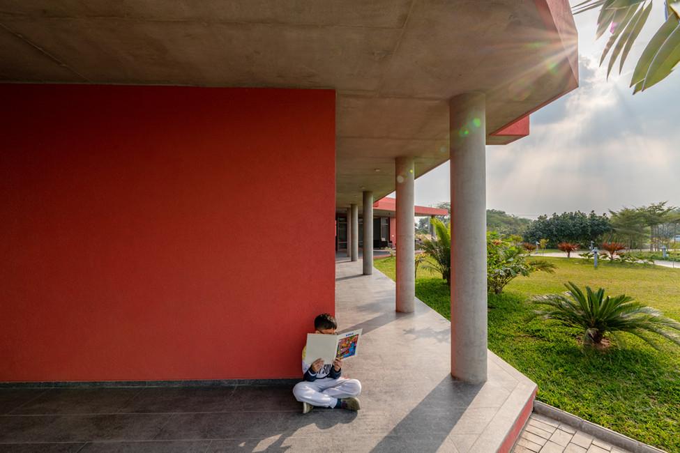 View of the verandah columns.jpg
