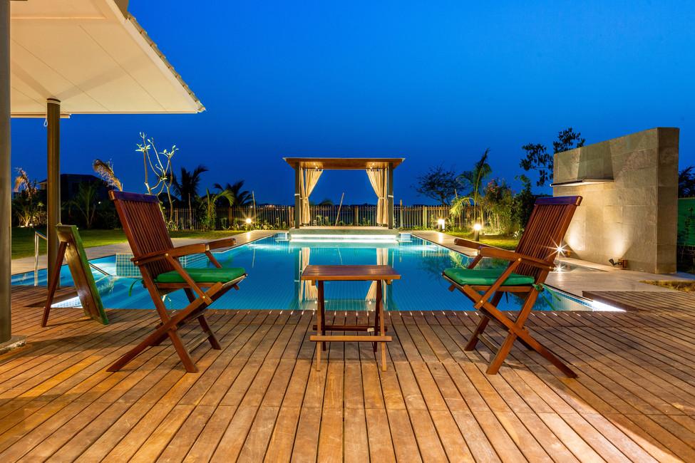 KBG Getaway_LD_Evening view of the pool_