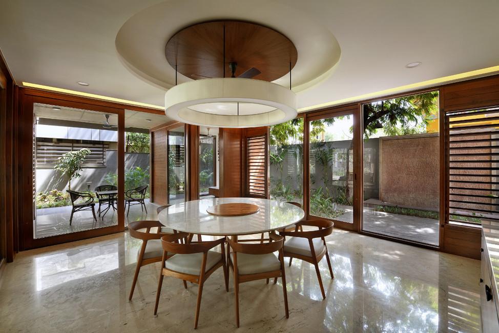 KE12 House-Dining Room.JPG