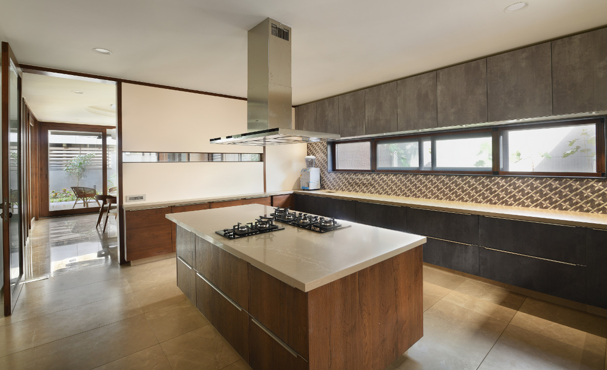 KE12 House-Kitchen.JPG