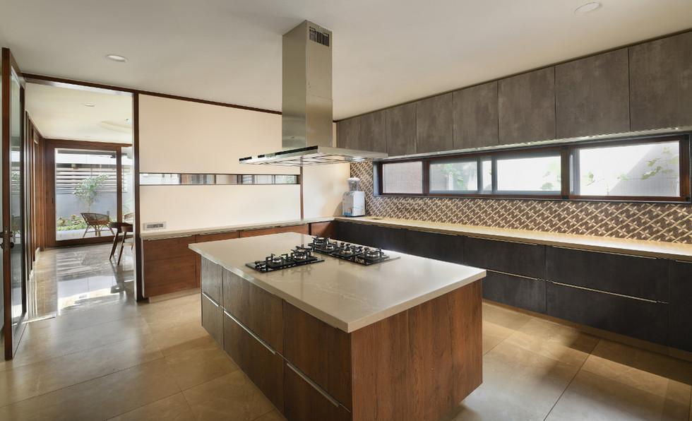 KE12 House-Kitchen.JPG