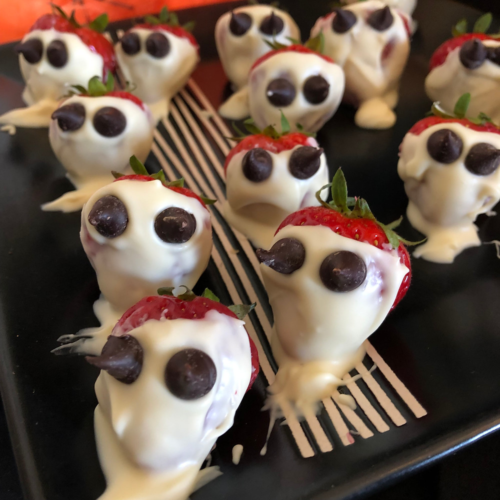 Halloween Strawberry Ghosts