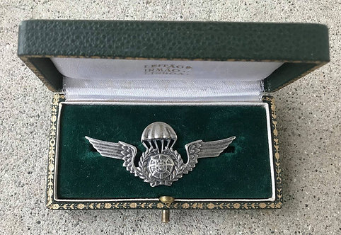 Silver Cased Portugal Parachutist Wing