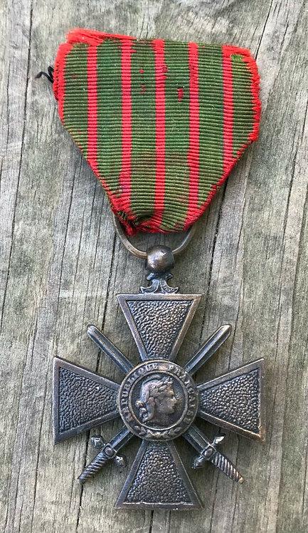 WWI French Croix de Guerre Medal 1914-1918