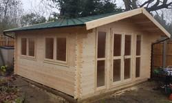 Apex Log Cabin (640x386)