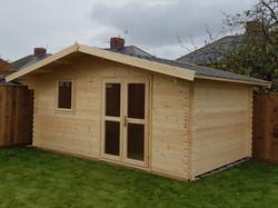 Apex Log Cabin (640x479)
