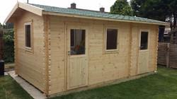 Side Apex Log Cabin (640x360)