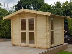 Front Apex Log Cabin (640x479)