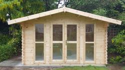 Full Glass front Log Cabin (640x360)