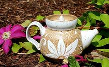 Sgraffito teapot, 16 oz, stoneware