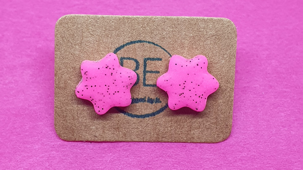Neon Webs Small Pink Daisy Studs