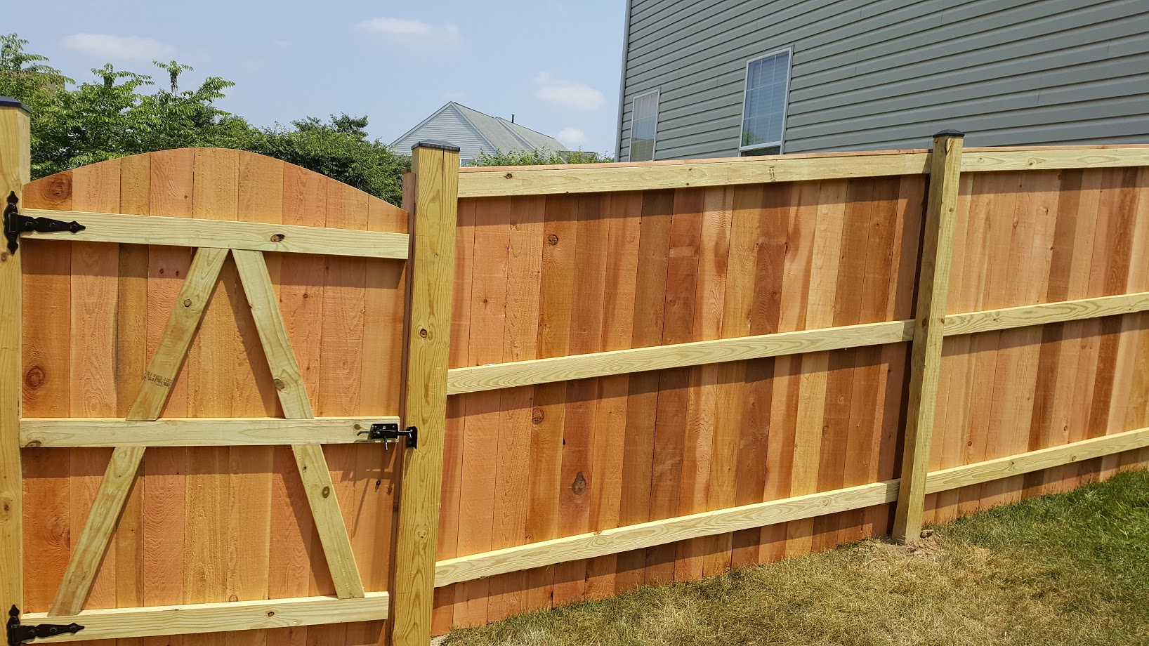 Privacy 6' Cedar Solid Board Gate Arched