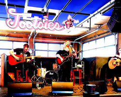 Singing at Tootsies In Nashville