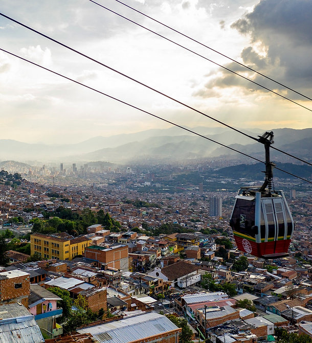 Medellin%20metrocable_edited.jpg