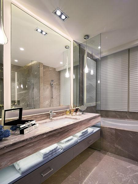 Southgate-Simatupang-10-Master-Bathroom.