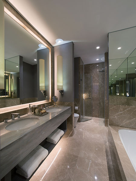 3Bedroom---Master-Bathroom.jpg