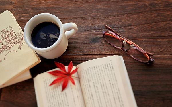 本とコーヒー.jpg