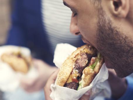 Qual a relação entre o fast food e o câncer?