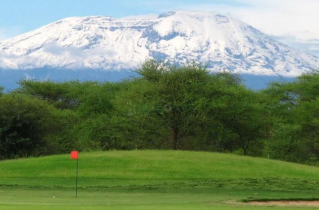 Uitzicht vanaf Kilimanjaro golf op de Kilimanjaro berg.
