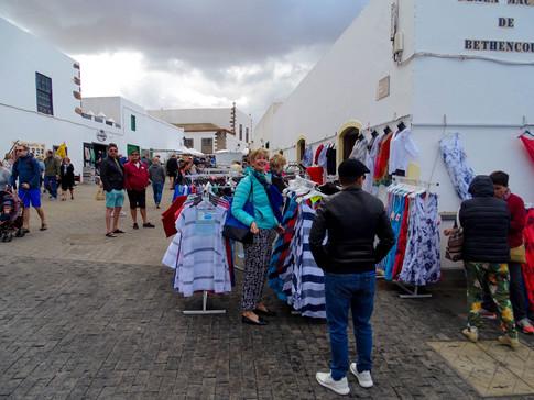 08 Tias markt 01-49