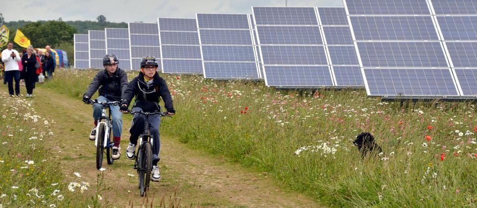 Rooftop Solar vs Solar Farms: Pros and Cons