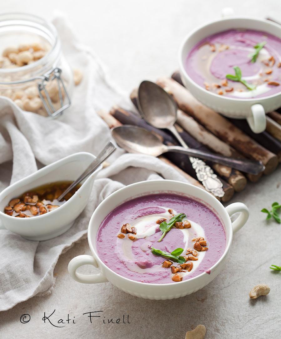 violetti bataatti-kukkakaalikeitto