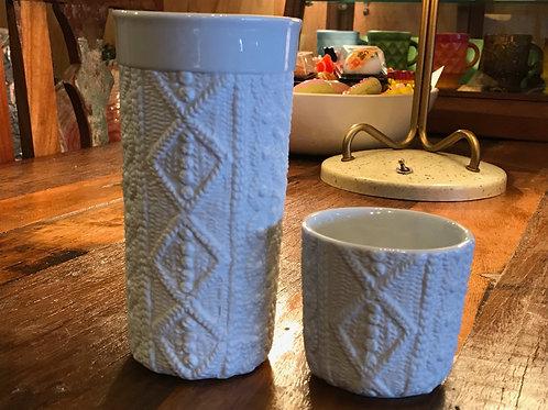 ニット模様の陶器 カップ