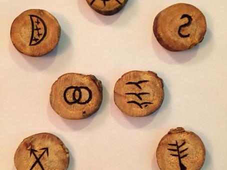 Les Runes Sorcières - Experts-Voyance