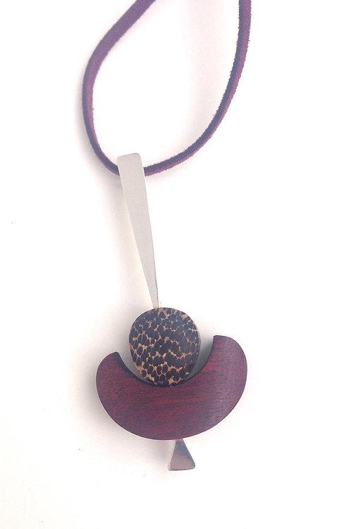 U Shape - Lechero Rojo Wood Necklace