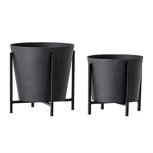 Metal planter/stand