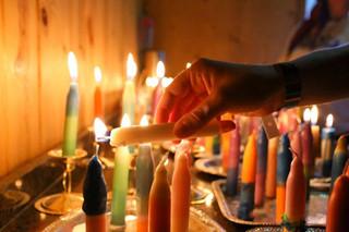 Lighting-shabbat-candles-at-Camp-Neshama-2017-1-1024x683.jpg