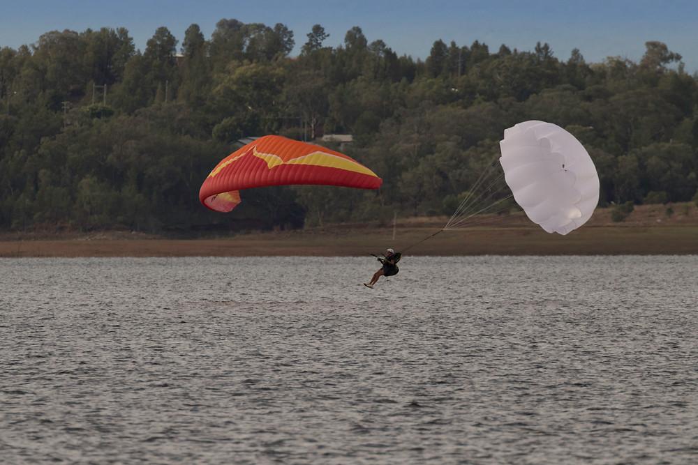 Paraglider down planing under reserve