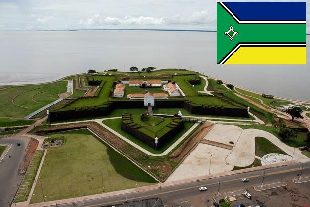Foto da Fortaleza de São José e Bandeira do Amapá