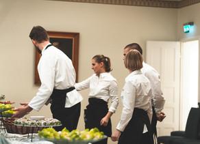 Man får hushållsavdrag även från serverings- och cateringservice!