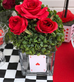 🎨🌹Miniature red rose garden of the Que