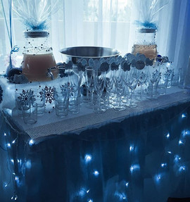 "Drinks bar ❄️🥂set-up for the ""Baby It's"