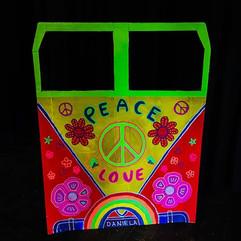 Aaaand a 🌈🌸☮️🚌 #hippievan #photobooth