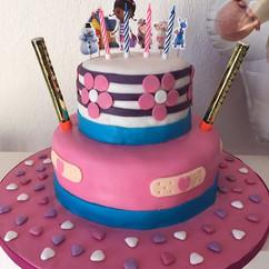 Doc McStuffins birthday party DIY cake!
