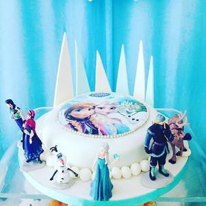 Frozen cake! #frozen #frozenbirthday #fr
