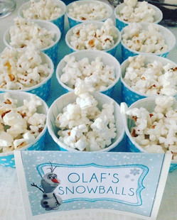 Frozen❄️ birthday party Olaf's snowballs