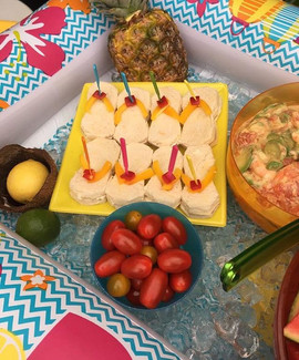 Luau🏝 party food bar - check out these