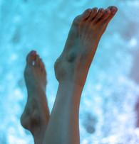 Spa Cerro Bubble Wall Feet
