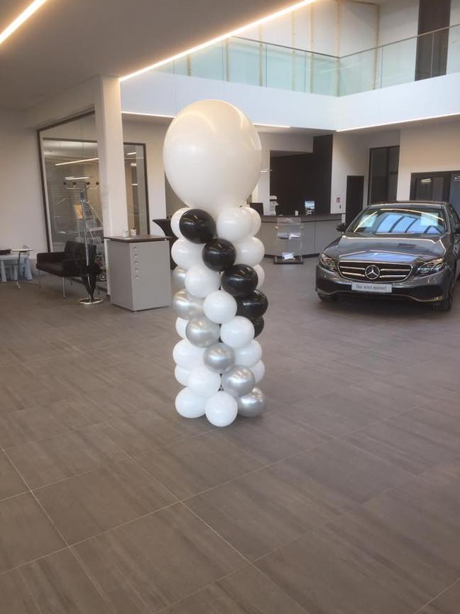 Ballonsäule Monochrome