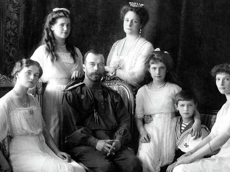 Na Peter de Grote volgden er nog veel Romanovs. Uiteindelijk volgde echter een revolutie..