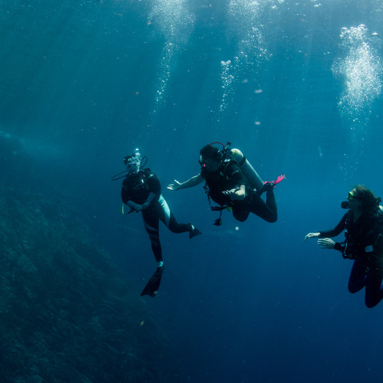 Divers in clear water Similan