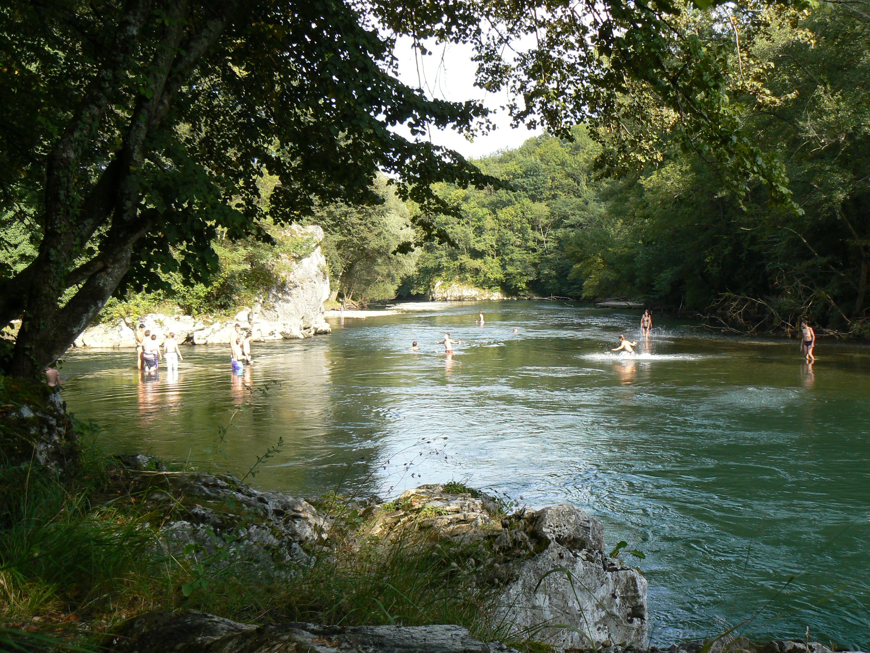 La Garonne et sa plage de galets