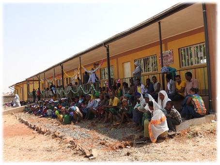 Crescere Insieme a Galyie Rogda. Un villaggio in Etiopia, una scuola materna, bambini da tre a sei a