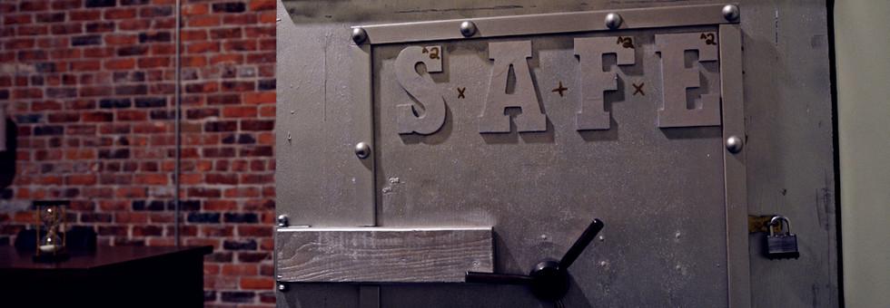 Bank-Vault-Safe.jpg