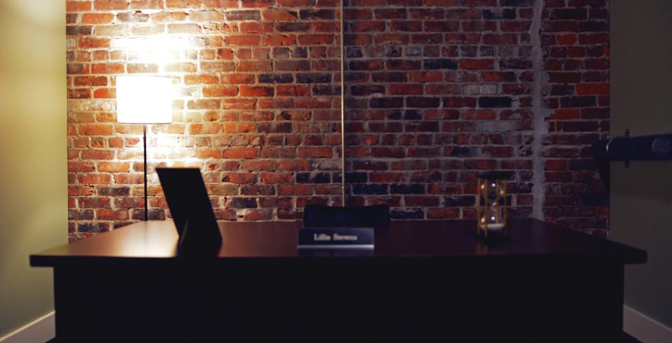 Bank-Managers-Desk.jpg